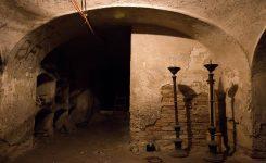 Óriási tömeg volt kíváncsi a Szent András-templom kriptájára - FOTÓK