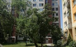 A hatodik emeletről esett ki egy hatéves kisfiú